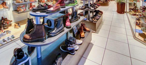 Modèles chaussures dans une des boutiques Xabel